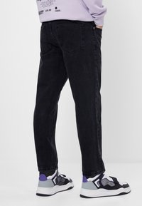 Bershka - Džíny Straight Fit - black - 2