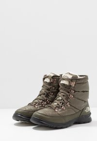 The North Face - THERMOBALL LACE II - Winter boots - new taupe green/vintage white - 2