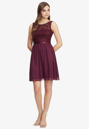 Cocktail dress / Party dress - shiny bordeaux