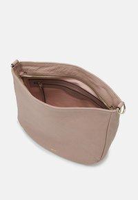 Abro - BEUTEL LOTA SMALL - Handbag - powder - 2