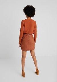 Object - OBJCHLOE  - Pencil skirt - brown patina - 2