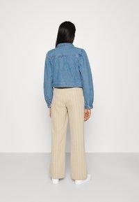 Pieces - PCGREYSON JACKET - Denim jacket - light blue denim - 2