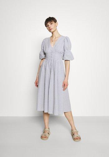 YASCAMA MIDI DRESS - Abito a camicia - dusk blue
