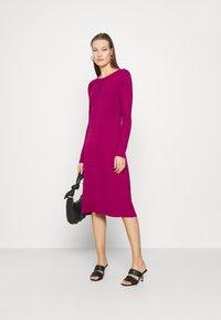 Who What Wear - PANEL DRESS - Jumper dress - magenta - 1