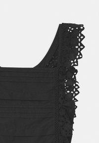 Scotch & Soda - BRODERY ANGLAISE WITH OPEN BACK DETAIL - Denní šaty - black - 2