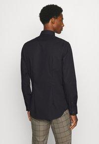 Seidensticker - MODERN KENT X SLIM - Formal shirt - black - 2