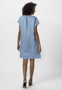 Apart - LINEN DRESS - Vestito estivo - lightblue - 1