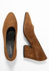 Vagabond - OLIVIA - Classic heels - caramel - 3