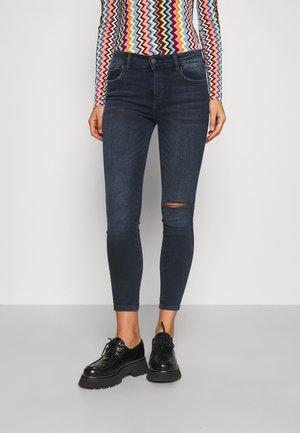 FLORENCE INSTASCULPT - Jeans Skinny Fit - dark creek busted