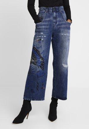 WIDEE - Straight leg jeans - indigo