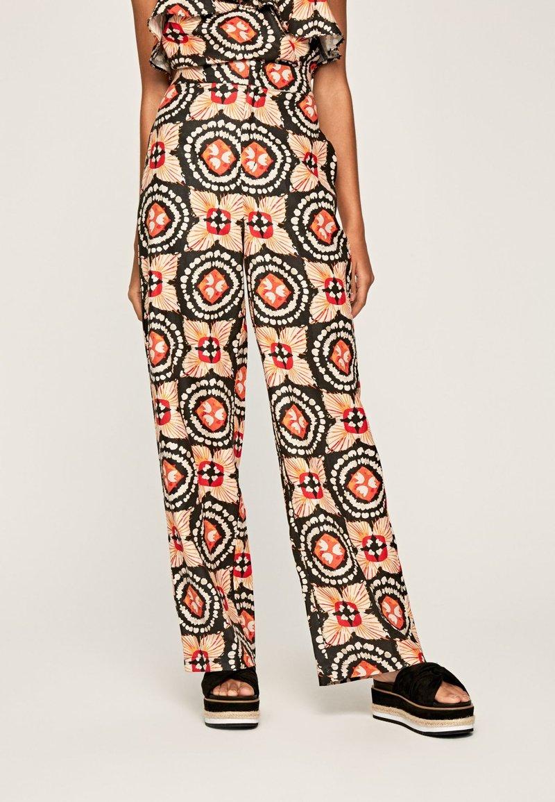 Pepe Jeans - Spodnie materiałowe - multi