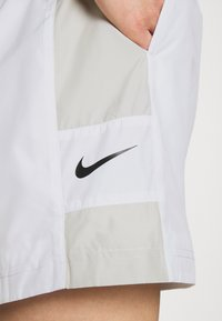 Nike Sportswear - Shorts - white/light bone/black - 3