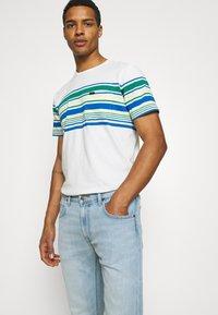 Lee - DAREN ZIP FLY - Jeans straight leg - bleached dale - 3