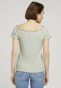 TOM TAILOR DENIM - CARMEN - Print T-shirt - green - 2