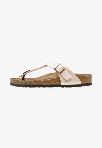 GIZEH  - Sandály s odděleným palcem - pearl white