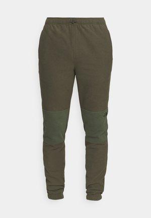 GLACIER PANT - Jogginghose - green thyme