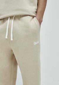 PULL&BEAR - Pantalon de survêtement - beige - 4