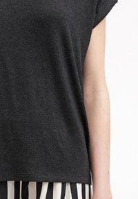 ONLY - ONLMOSTER ONECK - T-shirts - black - 5