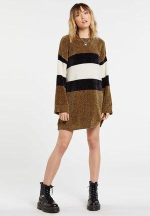 BUBBLE TEA  - Jumper dress - vintage_gold