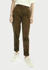 Scotch & Soda - HIGH-RISE - Trousers - military green - 0