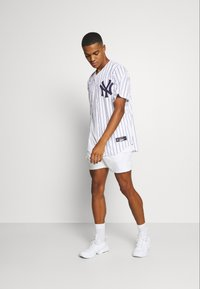 Nike Performance - MLB NEW YORK YANKEES OFFICIAL REPLICA HOME - Klubové oblečení - white/navy - 1