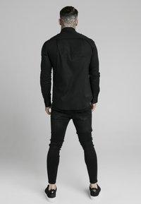 SIKSILK - STANDARD COLLAR SHIRT - Camisa elegante - black - 2