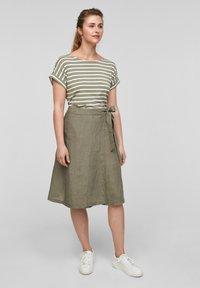 s.Oliver - Print T-shirt - summer khaki stripes - 1