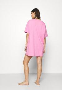 Cotton On Body - 90'S NIGHTIE - Nattskjorte - pink - 2