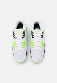 Nike Golf - AIR MAX 90 G - Golfskor - white/neutral grey/black/flash lime - 3