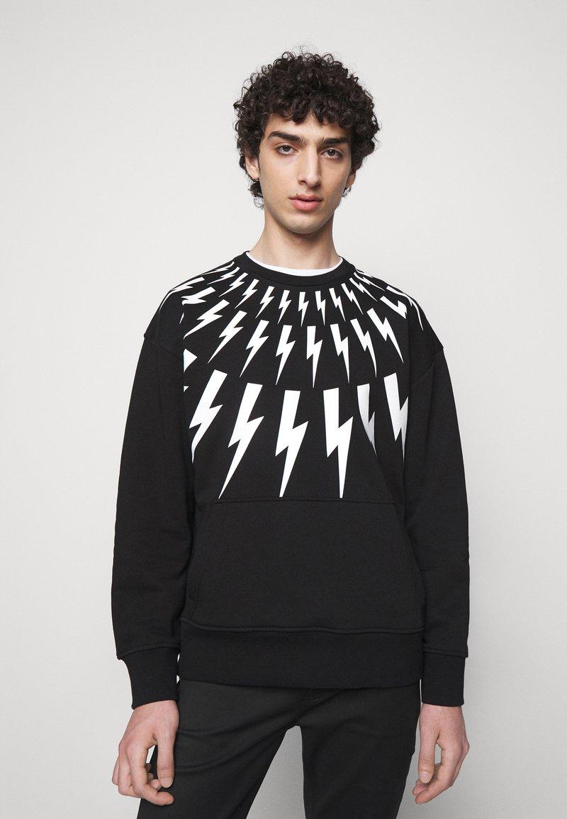 Neil Barrett - FAIR ISLE THUNDERBOLT - Sweatshirt - black/white