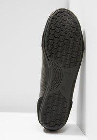 Cruyff - RECOPA EMBLEMA - Sneakersy niskie - black - 4