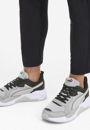 Trainers - gray v-limestone-black-white