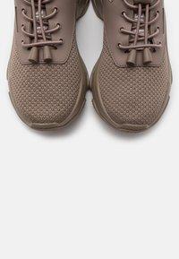 Steve Madden - MATCH - Sneakers - dark taupe - 5