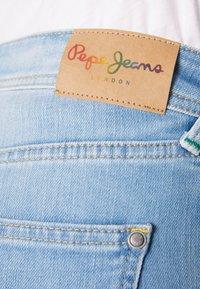 Pepe Jeans - POPPY SHORT PRIDE - Jeansshort - denim - 6