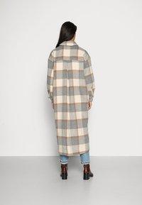 Stella Nova - EMMY JOE - Classic coat - grey/creme/brown - 2
