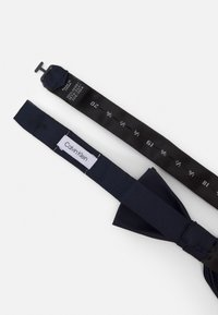 Calvin Klein - OXFORD SOLID BOW TIE - Bow tie - midnight - 2