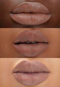 Maréna Beauté - ROUGE TAROU MATTE - Lipstick - latte - 1