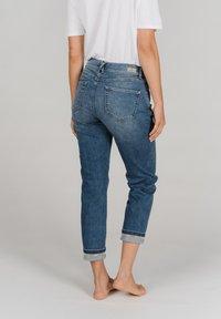 Angels - DARLEEN TU TAPE MIT SCHMUCKSTEINEN - Slim fit jeans - blau - 2