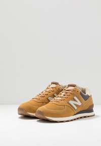New Balance - Baskets basses - brown - 2
