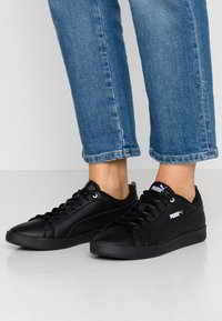 Puma - SMASH - Trainers - black - 0