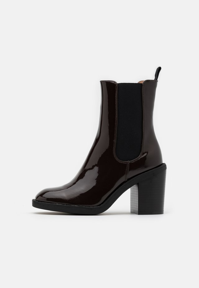 High heeled ankle boots - brown