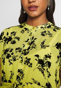 Queen Mum - DRESS NURS BANGKOK - Korte jurk - sunshine - 5