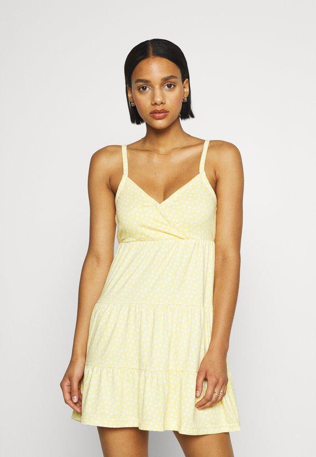 BARE DRESS - Žerzejové šaty - yellow