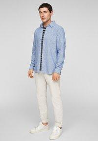 s.Oliver - Shirt - blue dobby - 3