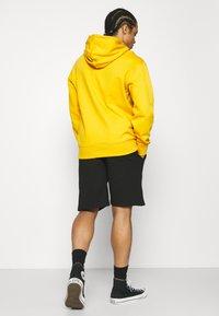 Caterpillar - BASIC  - Shorts - black - 2