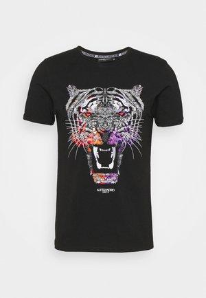 GROWLER DUAL TEE - T-shirt print - jet black black/orange/pink