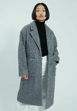Klasický kabát - grau meliert