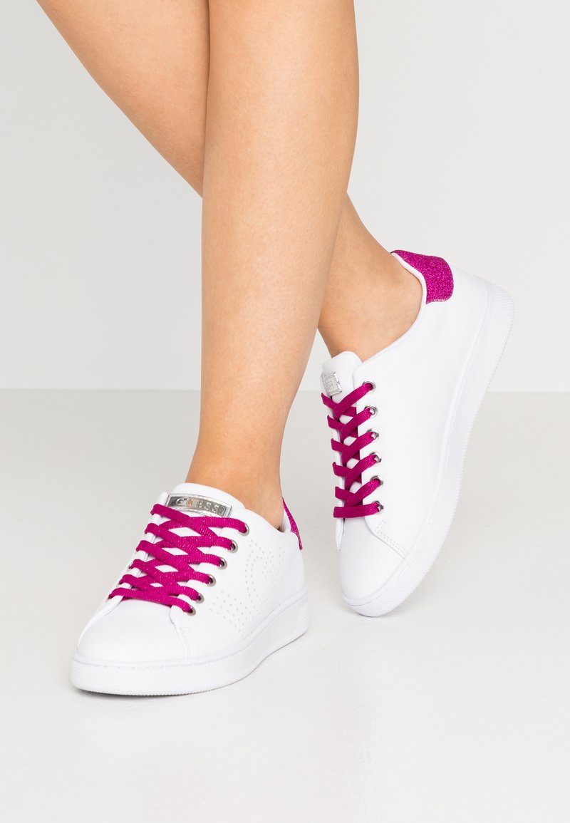 Guess - RANVO - Trainers - white/pink
