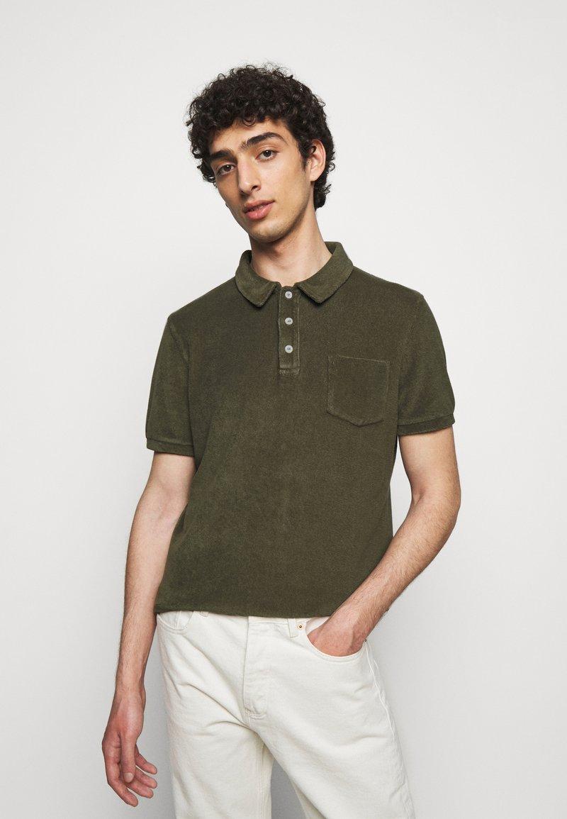 CLOSED - SHORT SLEEVE - Polo shirt - grey fir