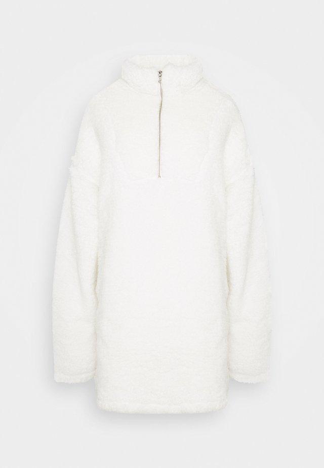 TEDDY DRESS - Vestido informal - white